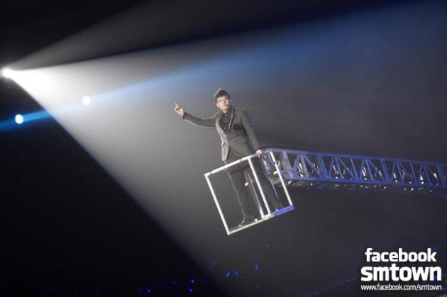 ‎[SUPER SHOW4] Are you ready? Shindong? [FACEBOOK SMTOWN STAFF]