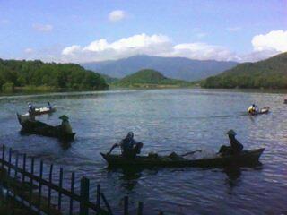 aktivitas nelayan di Waduk Malahayu
