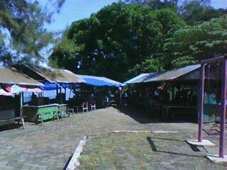 Kawasan warung-warung di Waduk Malahayu