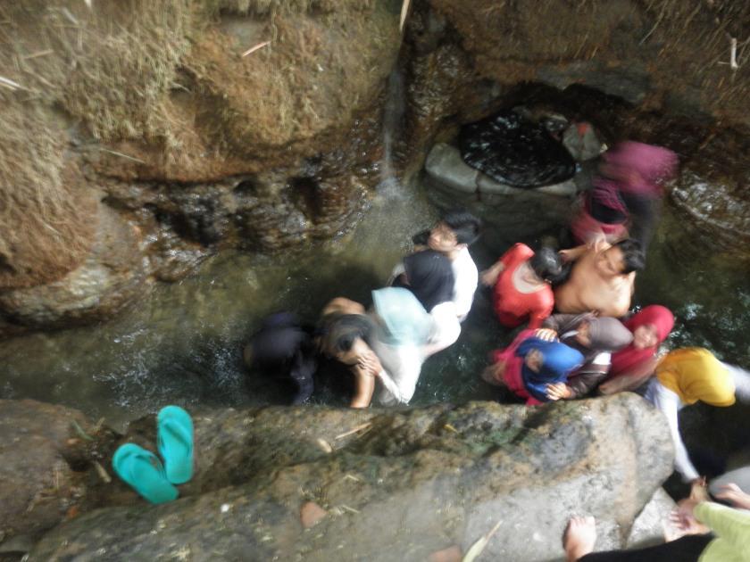 masuk gua surowono